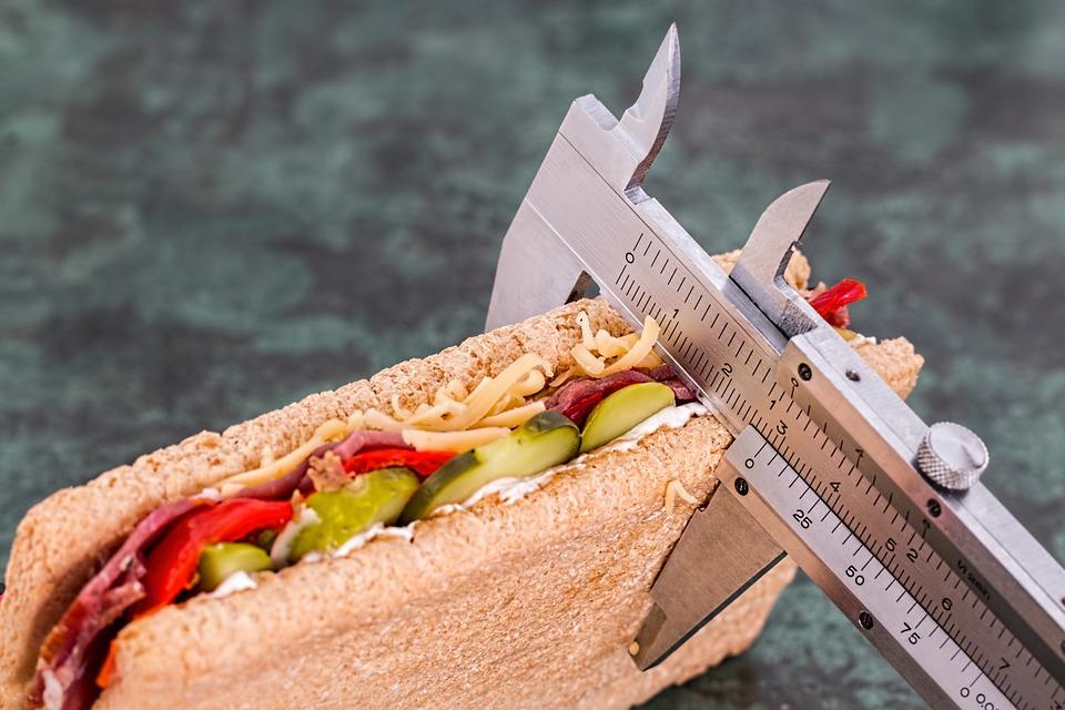 Kalorie musí jít dolů