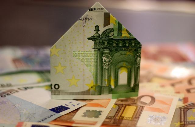 domek ze zelené bankovky