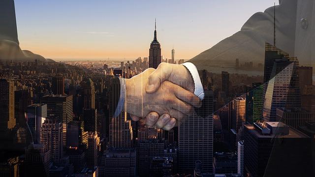 potřesení rukou ve městě