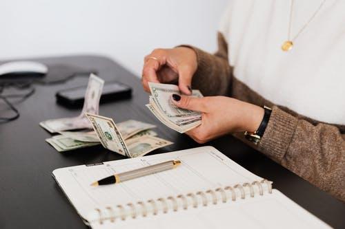 ruce, peníz